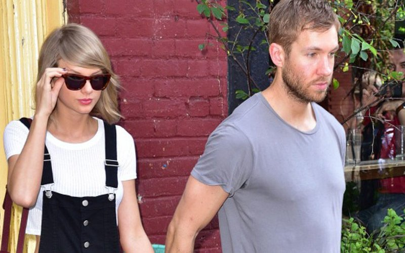 Taylor Swift gets emotional about her boyfriend at awards ceremony