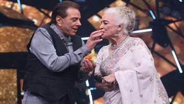 Indian Idol 11: Dharmendra And Asha Parekh Evoke Nostalgia, Steal Our Heart With Their Cuteness