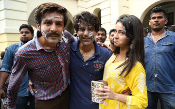 And It's A Wrap For Ananya Panday, Kartik Aaryan And Bhumi Pednekar Starrer Pati Patni Aur Woh's Lucknow Schedule