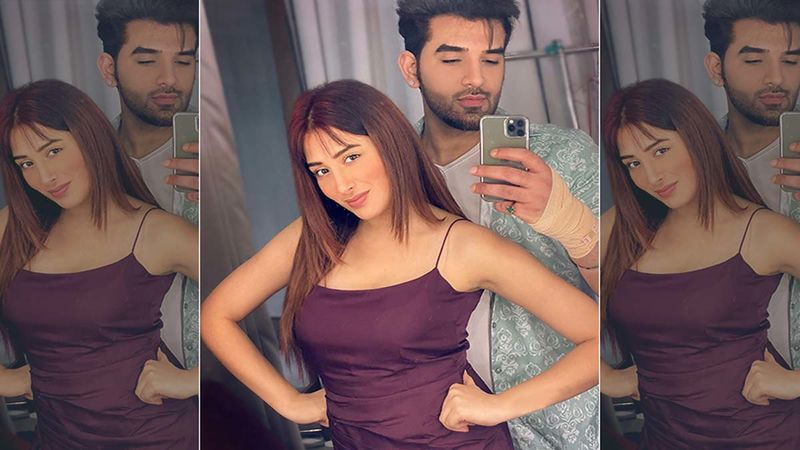 Bigg Boss 13's Mahira Sharma And Paras Chhabra Are Keeping A Window Open For Romance, 'We Might Organically Start Liking Each Other'