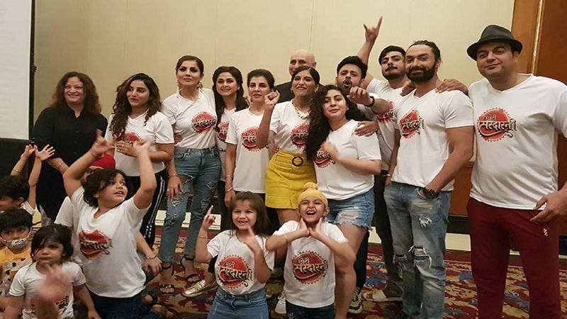 Choti Sarrdaarni Completes 500 Episodes: Team Sports Customised T-Shirts To Celebrate The Occasion