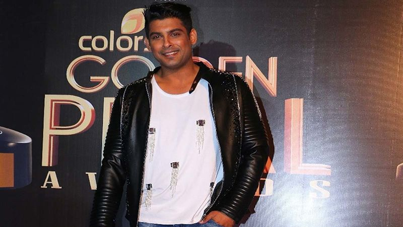 Bigg Boss 13 Winner Sidharth Shukla Stands Up For Acid Attack Survivor; Requests People To Support Her