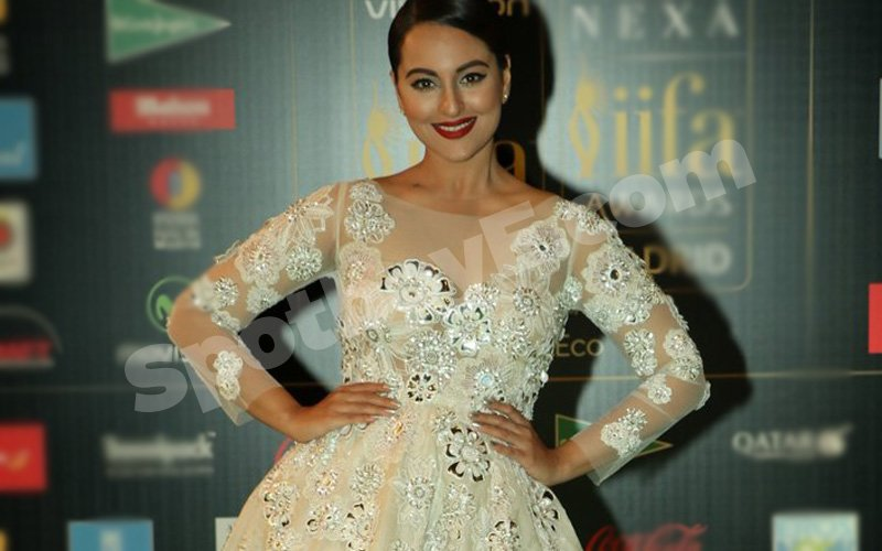 Sonakshi shares pictures of her new job