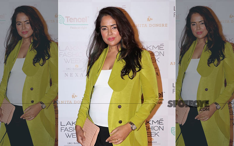 4 Months Pregnant Sameera Reddy Snapped, Proudly Displays Baby Bump