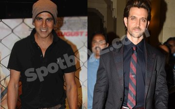 Hrithik & Akshay cheer each other up before D-Day