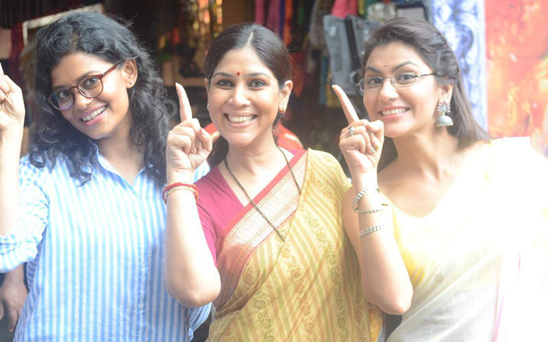 Sakshi Tanwar Makes Her Comeback To The Small Screen, To Promote Her Series M-O-M On Kumkum Bhagya