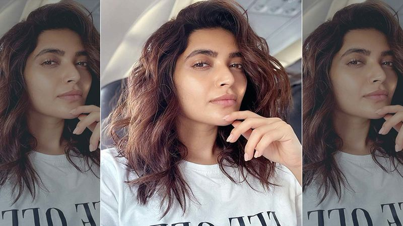 Karishma Tanna's 'Love, Live, Laugh' Moment From Her Beach Vacation, Makes Us Desperate To Pack Our Bags And Go On A Holiday