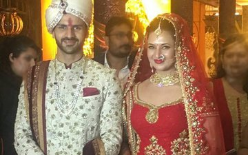 IN PICS: Meet Mr. and Mrs. Vivek Dahiya