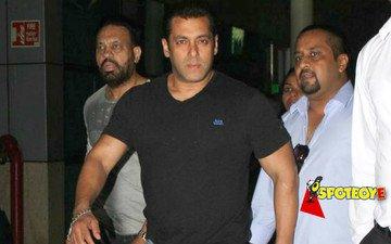 Salman's bodyguards thrash a fan...AGAIN!