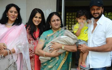 Riteish brings Genelia and their newborn back home