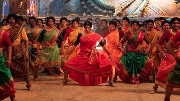 Akshay Kumar Grooved With 100 Transgenders For Bam Bholle Track From Laxmii Making It One Fiery Visual Treat