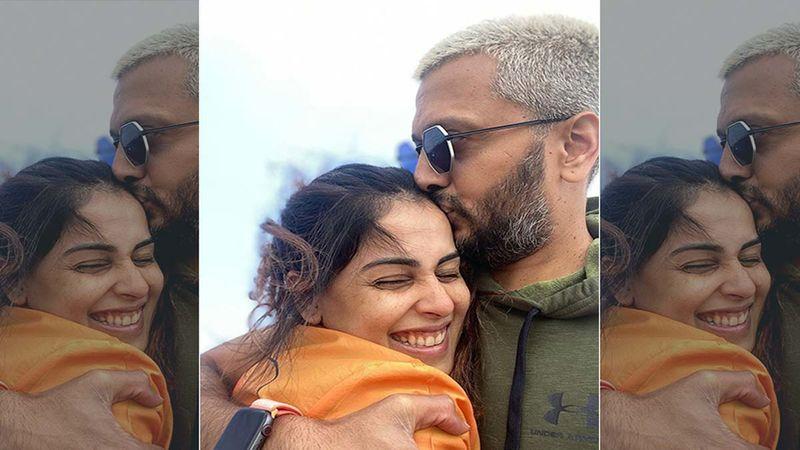 Genelia D'Souza And Riteish Deshmukh Wrap Up A Last-Min Shoot Ahead Of Christmas 2020 Celebrations