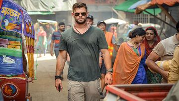 Extraction First Look: Chris Hemsworth Strolling In Busy Streets Of India Has Got Us Hooked; Movie To Premiere On THIS Date