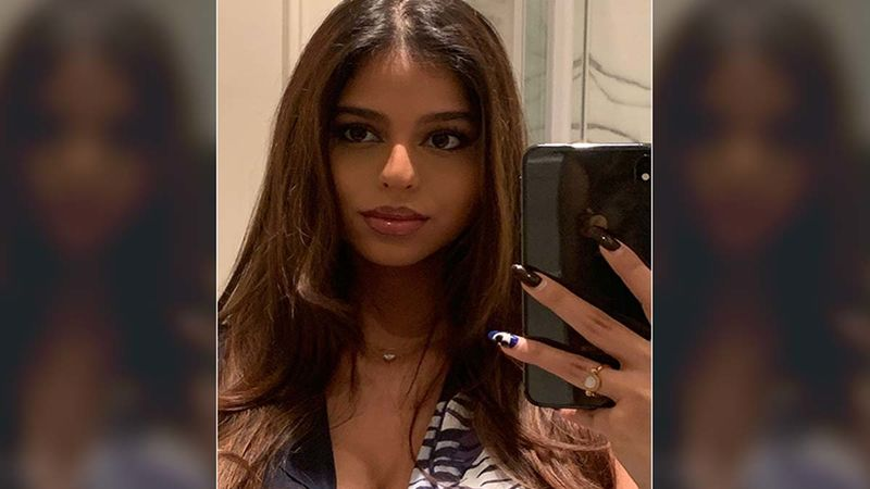 Suhana Khan's Pal Gives A Sneak Peek Of Their Happening Party In NYC, Suhana Goes From Gorgeous To Goofy In Pictures