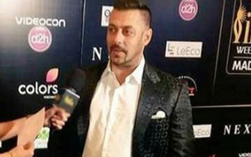 IIFA Fever: Salman Khan is all smiles on the green carpet