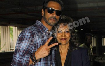 Arjun Rampal's mother survives cancer