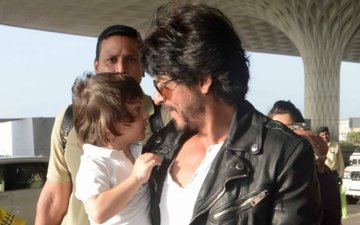Shah Rukh Plays With AbRam In Between Shots