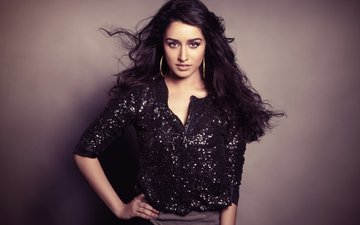 Shraddha Kapoor makes a happy announcement