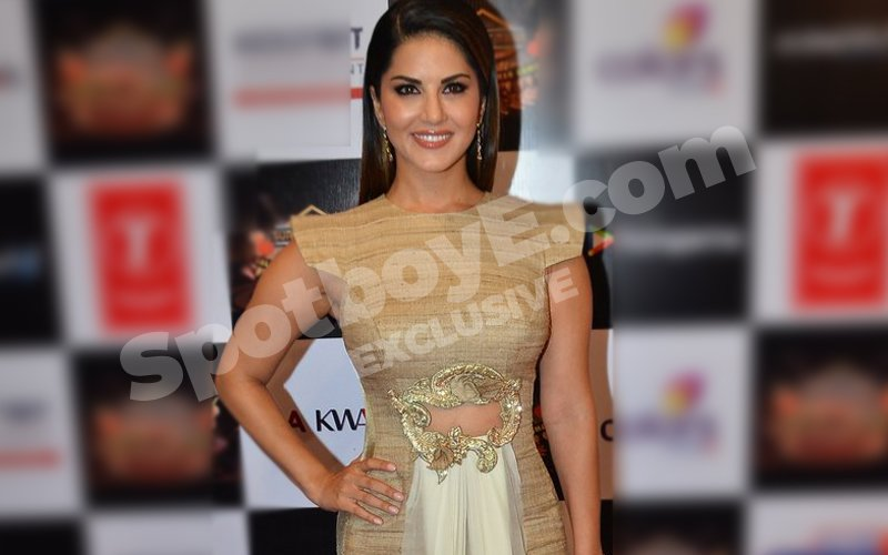Sunny Leone to sing the National Anthem at sports event