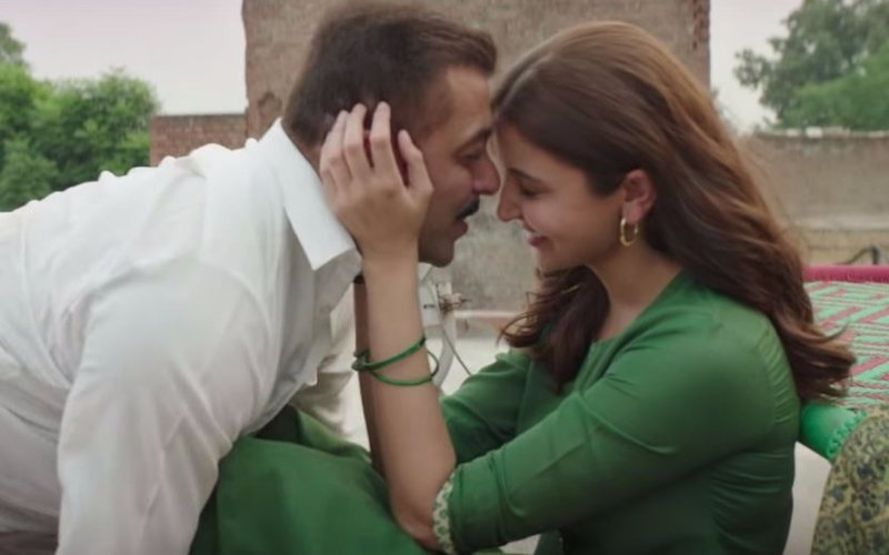 Enjoy Salman's crackling chemistry with Anushka in Jag Ghoomeya