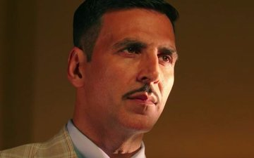 Akshay builds the suspense around Rustom