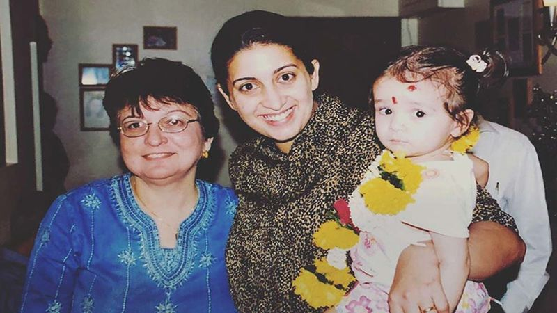 Smriti Irani Credits Her Daughter Zoe Irani For Magical Mondays In Her Life; Shares An Adorable Pic