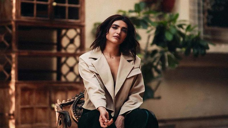 Karishma Tanna Makes Chai For Her Building Security Staff: Lockdown Diaries - Pic Inside