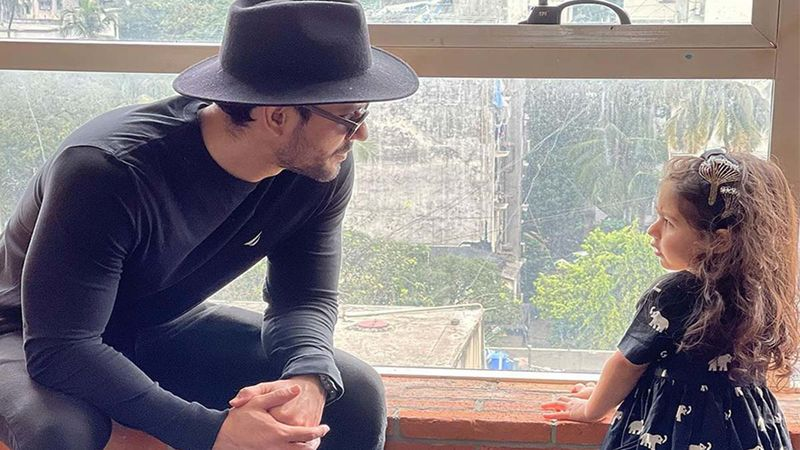 Kunal Kemmu On Daddy Duty Gets Corrected By His Daughter Inaaya Naumi Kemmu; The Video Is Too Adorable To Be Missed