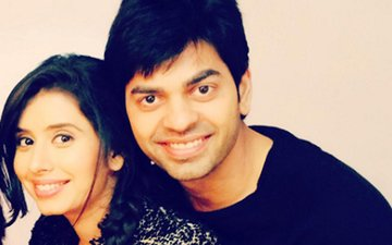Television's brother-sister get engaged in real life