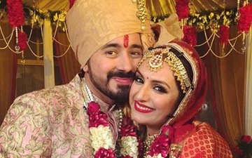 Singer Akriti Kakkar ties the knot