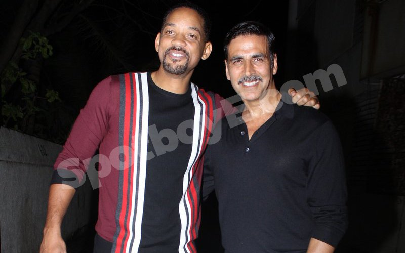 SOCIAL BUTTERFLY: Akshay throws a big fat Bollywood bash with Will Smith in attendance