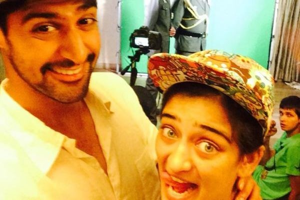 Tanuj Virwani And Akshara Hassan Shares A Selfie