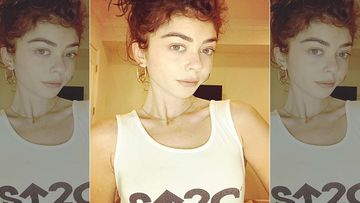 Modern Family Star Sarah Hyland Flaunts Tummy 'Scars' And Huge Engagement Ring – SEE PICS
