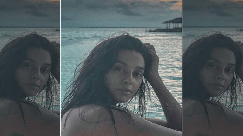 Shibani Dandekar Drops Some Amazing Pictures And Videos From Her Beach Getaway; We Want That Delish Chocolate Ice-cream She Is Wolfing Down