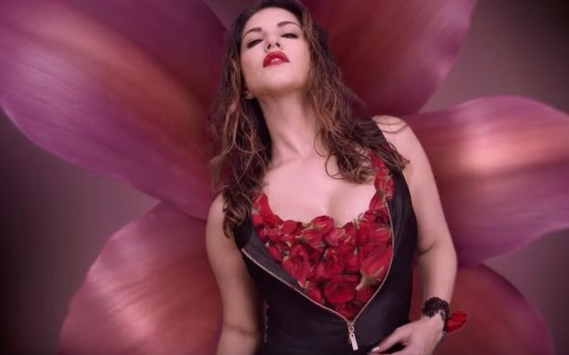 Sunny Leone at her sultry best in Beiimaan Love song Hug Me