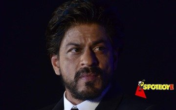 Shah Rukh Khan's car attacked in Ahmedabad