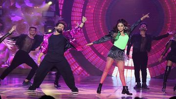 Krystle D'Souza And Rithvik Dhanjani's Electrifying Performance On Dus Bahane Is Totally HOT