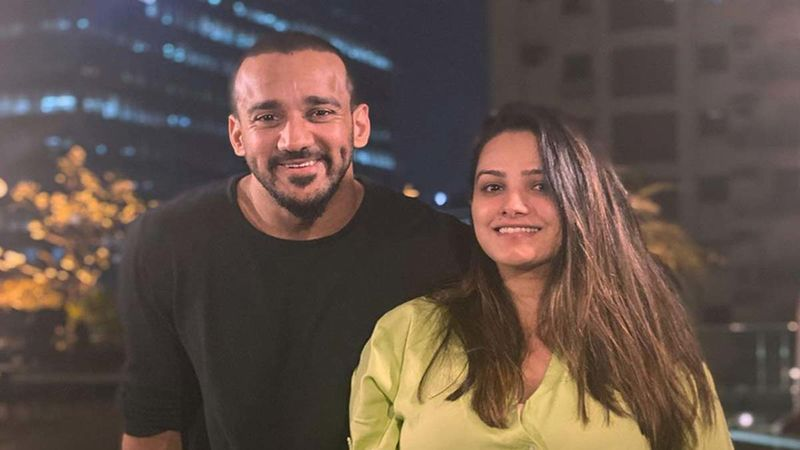 Anita Hassanandani's Husband Rohit Reddy Shares An Adorable Picture With His Newborn Son Aaravv; Lovingly Gazes At Him And Calls Him 'Daddy's Boy'