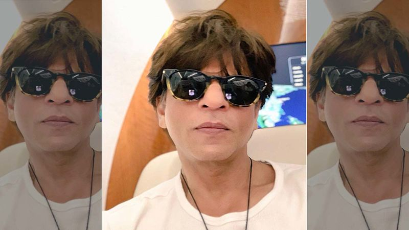 #AskSRK: Fan Posts An Old Picture Of Shah Rukh Khan Asking Him Which Year Does It Belong To; SRK Says The Dinosaur Age
