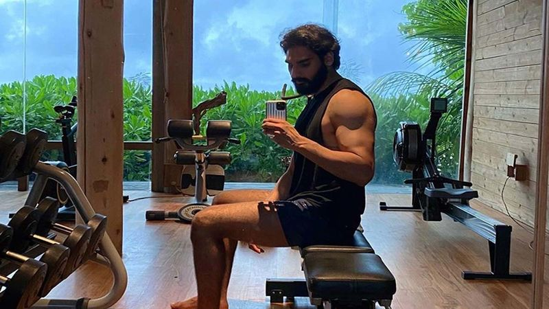 Suniel Shetty's Son Ahan Shetty Sets The Internet On Fire, Drops A Glimpse Of His Workout Session As He Preps For Upcoming Film Tadap