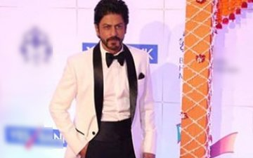 SRK wanted to get drunk and dance at the royal dinner