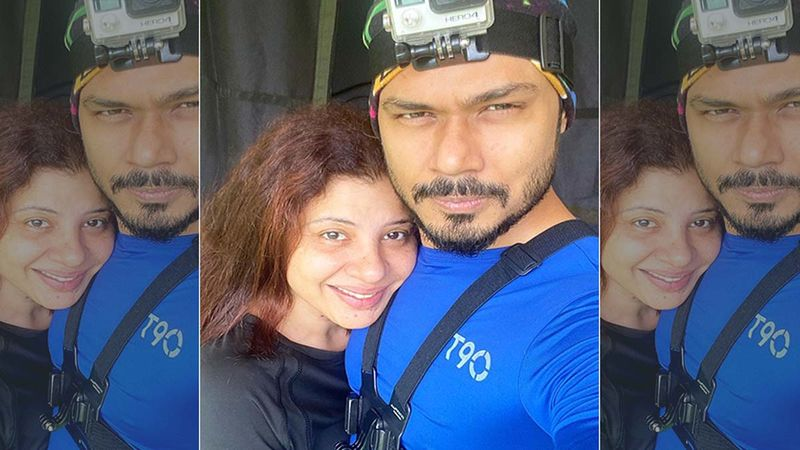 Sambhavna Seth Gets Into A Scuffle With Cops At Sidharth Shukla's Funeral, Gets Mad At Them For Pushing Her Husband Avinash Dwivedi-Watch Video