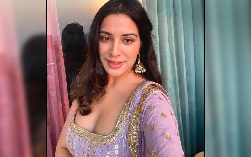 Bigg Boss 14's Sara Gurpal Shows Support To The Farmers; Says 'If You Eat Vegetables And Fruits, Then Support; If Not, Toh Rehndo'