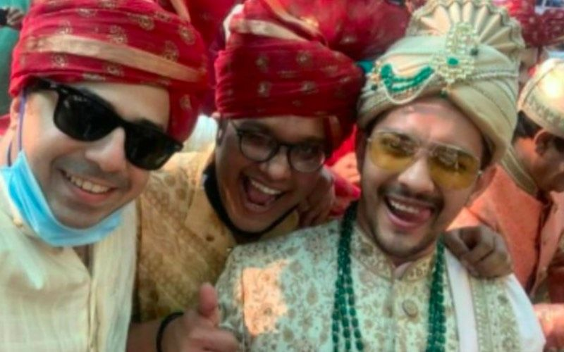 Aditya Narayan Shows Off A New Style Of Lap Dance At His Wedding With Shweta Agarwal; It's Hilarious And Unique – VIDEO