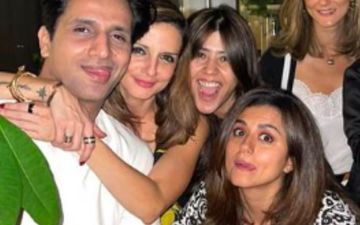 Sussanne Khan Gets Cosy With Rumoured Boyfriend Arslan Goni; Ekta Kapoor, Ridhi Dogra Join In For A Pic On Sofa- See Pics