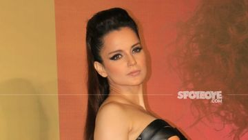 Kangana Ranaut Shares Pic Posing With A Dior Bag; Netizens Troll Her For Not Sticking To 'Vocal For Local' And Call Her A 'Hypocrite'
