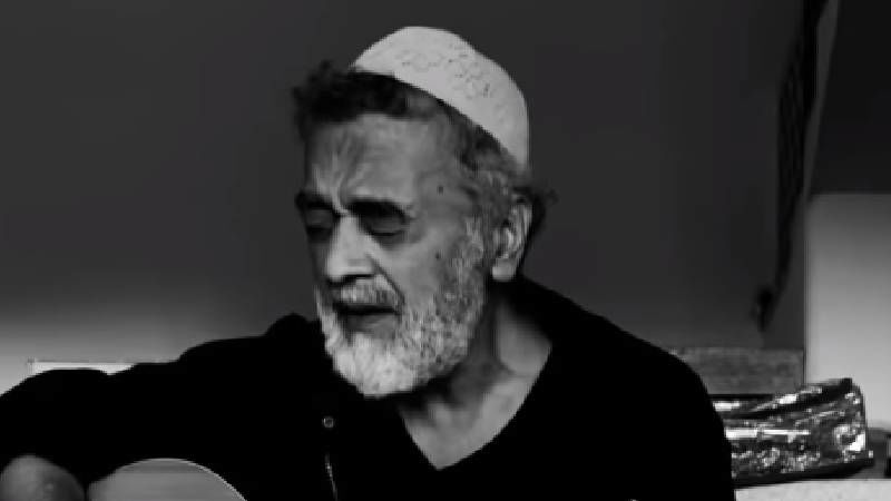 Video Of Lucky Ali Singing His 90s Hit 'O Sanam' Goes Viral; Netizens Get Nostalgic And Listen To It On Loop - We Can't Blame