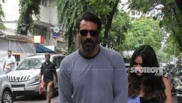 Arjun Rampal Leaves NCB Office Post Almost 8 Hours Of Interrogation - VISUALS
