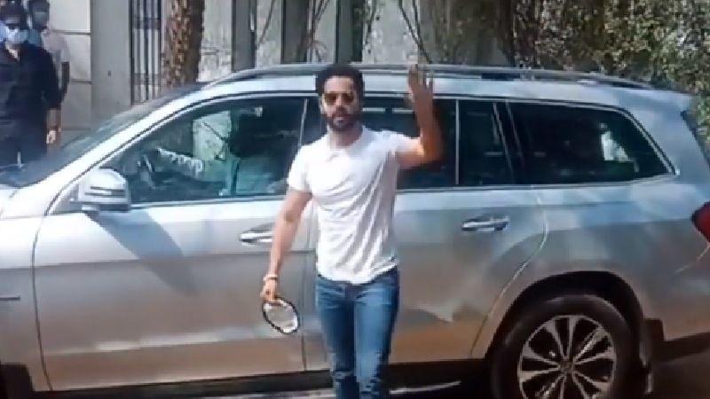 Varun Dhawan-Natasha Dalal's Wedding: Groom's Car Met With A Minor Accident Before Reaching The Wedding Venue In Alibaug - REPORT