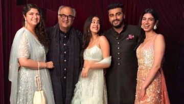 Anshula Kapoor Gives A Glimpse Of Her Family Whatsapp Group Chat With Arjun Kapoor, Janhvi Kapoor; It's Hilarious AF